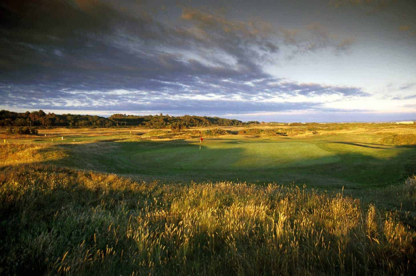 troon golf The troon country club lifestyle is more than beautiful views and amazing golf it's also the individual attitudes, values and interests of the members coming.